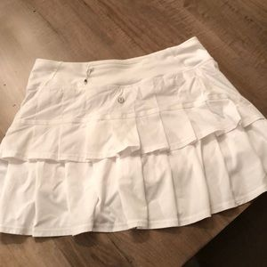 Lululemon white ruffle tennis skirt